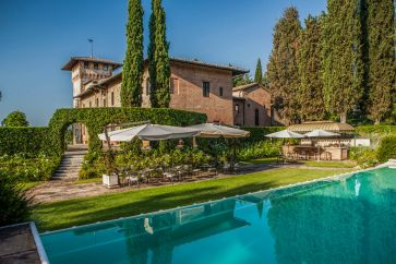 CASTLE FOR SALE IN SAN GIMIGNANO, TUSCANY