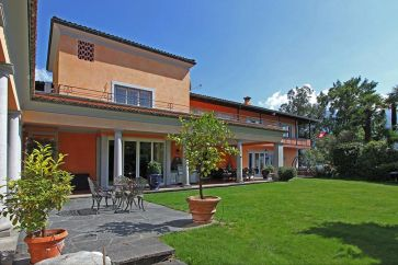 LAKEVIEW VILLA FOR SALE IN LOCARNO, LAKE MAGGIORE