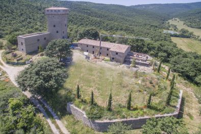 15TH CENTURY CASTLE FOR SALE TRASIMENO LAKE, UMBRIA