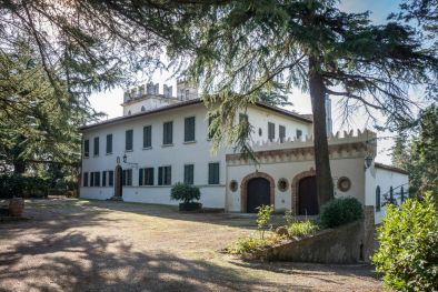 15TH CENTURY VILLA FOR SALE IN CHIANTI, FLORENCE