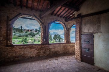 CASTLE FOR SALE, PANORAMIC VIEW, TRASIMENO LAKE