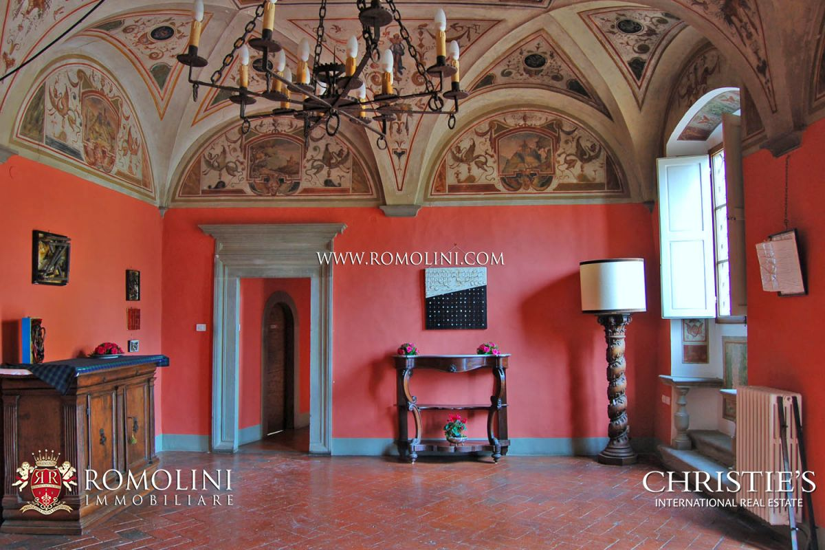 CASTLE FOR SALE IN FLORENCE