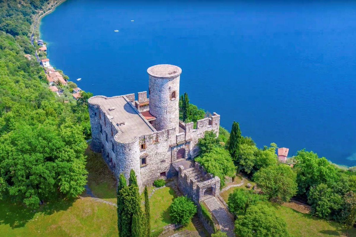 CASTLE FOR SALE, LAKE ISEO